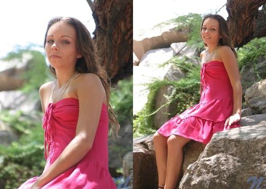 Tresseme - Nubiles - Teen Solo - Teen Sexy Photo Gallery
