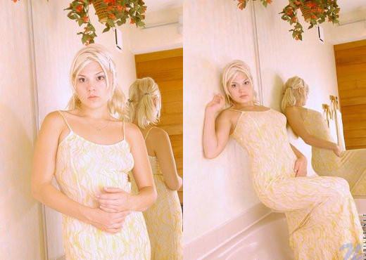 Polly - Nubiles - Teen Solo - Teen Sexy Gallery