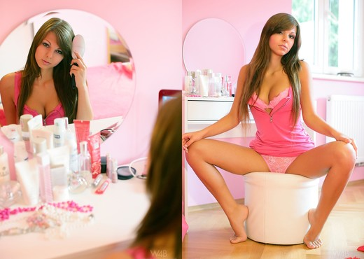 Girl's room - Candy - Watch4Beauty - Solo Nude Pics