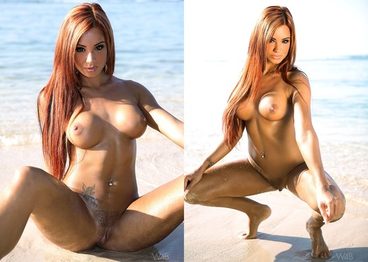 Summer - Ashley Bulgari - Solo Sexy Photo Gallery