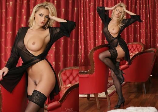 Numero uno - Zdenka Podkapova - Solo Sexy Photo Gallery