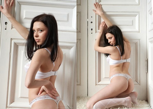 Destino - Alina - Pretty4Ever - Solo Image Gallery
