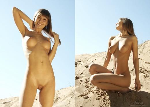 Goldy - Alena - Pretty4Ever - Solo Nude Pics