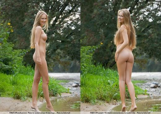 Golden River - Kinga - Femjoy - Solo Nude Pics