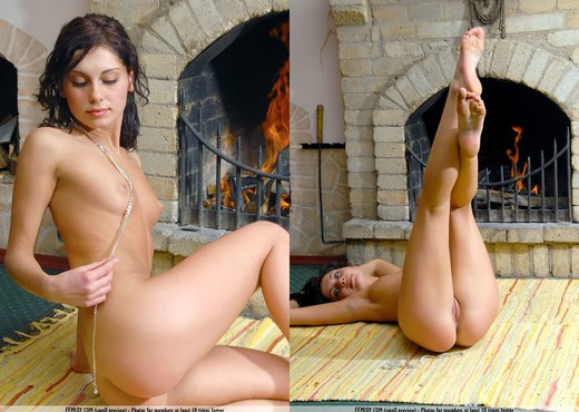 Warm Me Up - Julie - Femjoy - Solo Picture Gallery