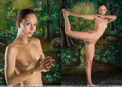 Forester - Evania - Femjoy - Solo Hot Gallery