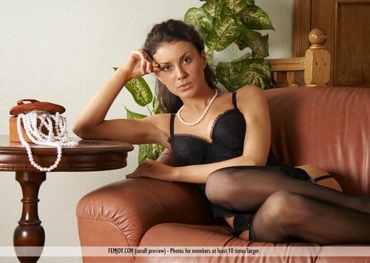 Posh - Terri - Femjoy - Solo Nude Pics