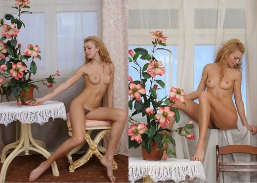 Retro - Selena - Femjoy - Solo HD Gallery