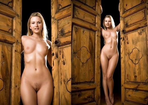 Do It Again - Jana E. - Solo Nude Gallery