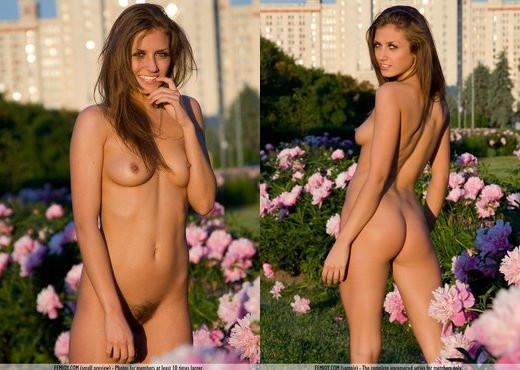 City Garden - Stefani - Solo Nude Gallery