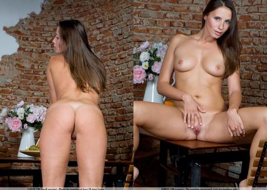 Welcome Back - Loretta - Solo Nude Gallery