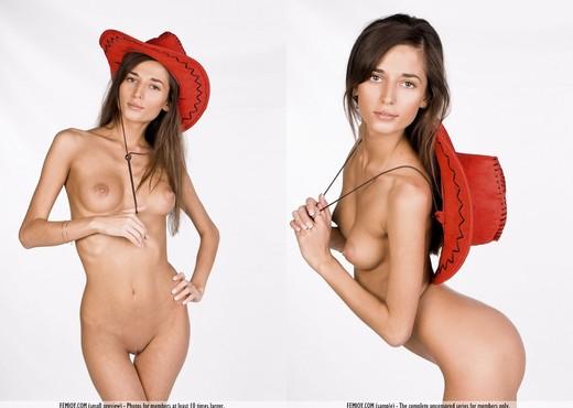 Cowgirl - Idonia - Femjoy - Solo Nude Pics