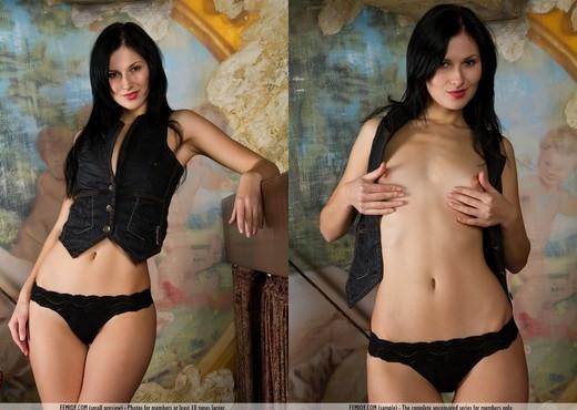 Classic Beauty - Fai - Femjoy - Solo Sexy Photo Gallery
