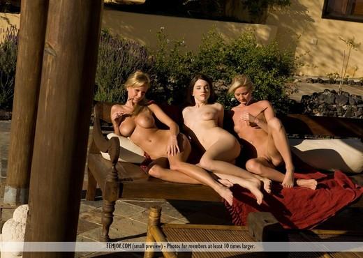 Nevermind - Jane - Femjoy - Lesbian Image Gallery