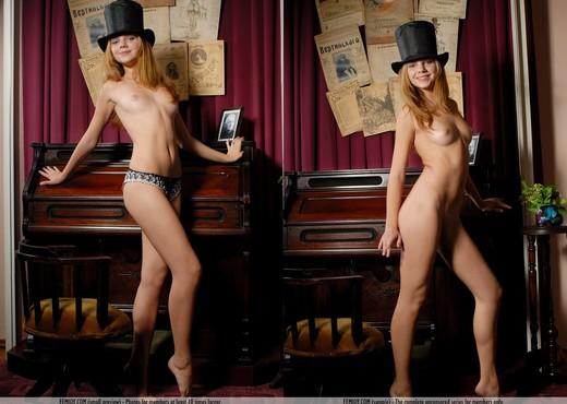 Always Having Fun - Kendra - Solo Nude Pics