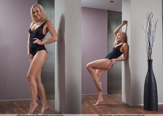 Private Show - Miette - Solo Nude Pics