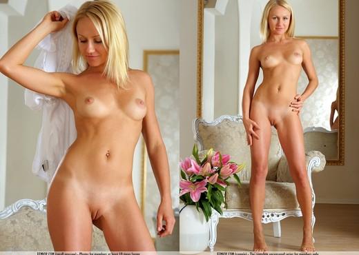 Seduce Me - Victoria K. - Solo Nude Pics