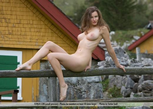 Almhuetten - Susann - Femjoy - Solo Nude Gallery