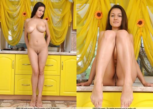 Cheers - Sofie - Femjoy - Solo Nude Pics