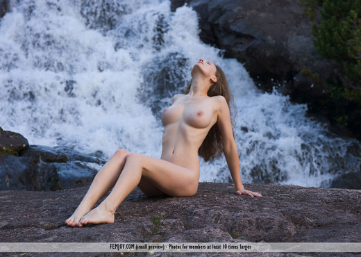 Harmony - Susann - Femjoy - Solo Picture Gallery