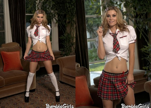 Heather Vandeven - BumbleGirls - Solo Hot Gallery
