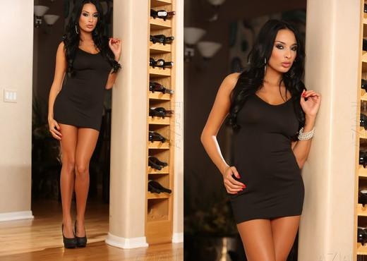 Anissa Kate - Aziani - Toys Nude Pics