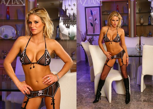 Brooke Belle - Aziani - Solo Nude Pics