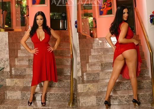Jelena Jensen - Aziani - Solo Hot Gallery