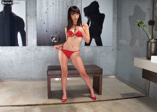 Marica Hase - InTheCrack - Toys HD Gallery