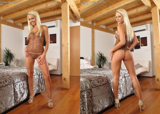Anneli - InTheCrack - Toys Hot Gallery