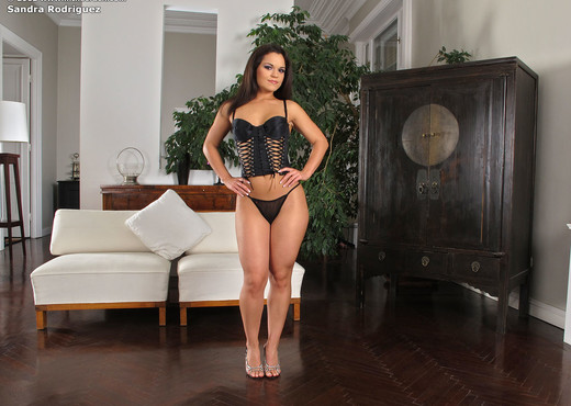 Sandra Rodriguez - InTheCrack - Toys TGP