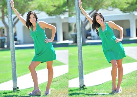 Kirsten - FTV Girls - Solo Nude Pics