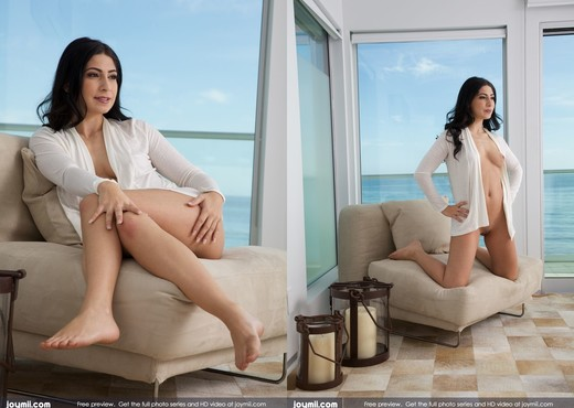 Ocean View - Allie J. - Solo Nude Pics