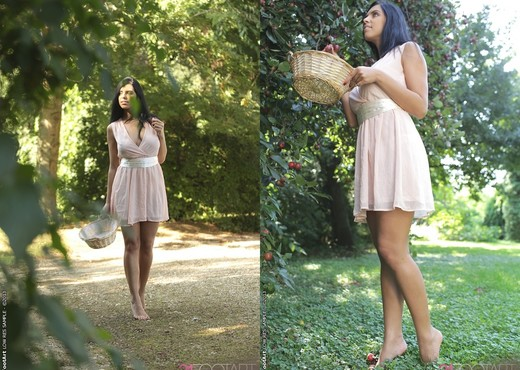 Soles to Soul - Elena Rae - Feet Nude Pics