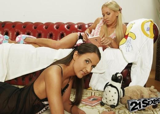 Kiara Lord & Adriana - 21Sextreme - Lesbian Nude Pics