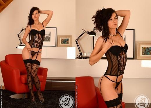 Lauren Crist - 21 Sextury - Solo Picture Gallery