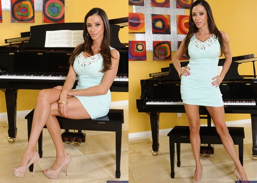 Ariella Ferrera - Seduced By A Cougar - MILF TGP