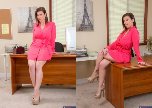 Sara Jay - Naughty Office - Hardcore HD Gallery