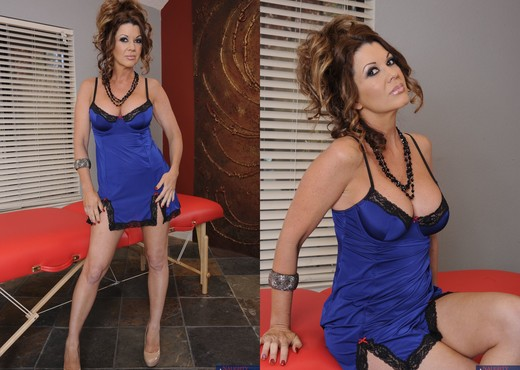 Raquel DeVine - My Friend's Hot Mom - MILF Image Gallery