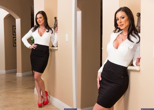 Kendra Lust - My Friend's Hot Mom - MILF Nude Gallery