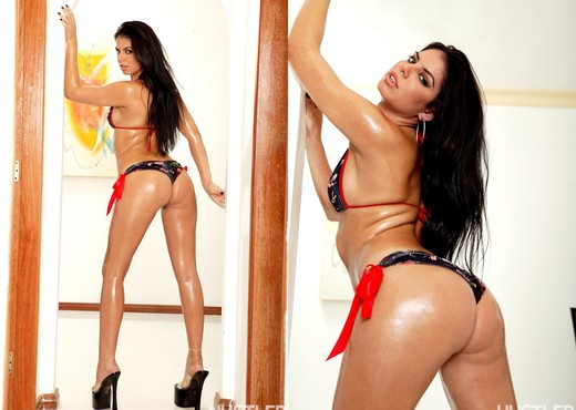 Fabiane Thompson - Oiled Up Brazilian Butts 3 - Latina Picture Gallery