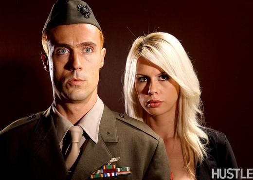 Tara Lynn Fox & Richie Calhoun - This Ain't Homeland - Hardcore TGP