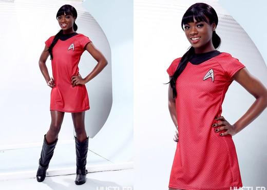 Ana Foxxx - This Ain't Star Trek XXX 3 - Ebony Sexy Gallery