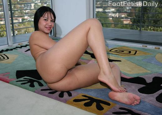 Rosario Stone Hardcore Dirty Feet - Hardcore Picture Gallery