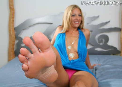 Jordan Kingsley Sexy Red Toes - Hardcore Sexy Gallery
