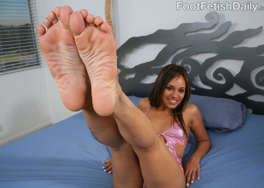 Alicia Tease Sexy Calves and Feet - Hardcore Hot Gallery