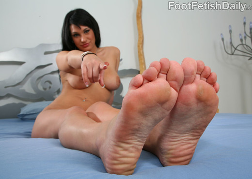 Kitty Bella Nice Thick Toes - Hardcore Nude Gallery