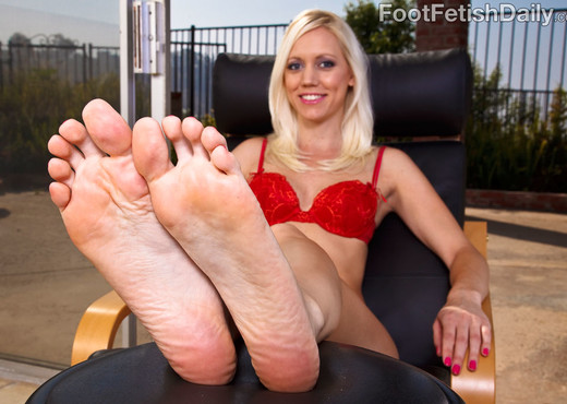 Kacey Villainess Feet Tease along with Hardcore Sex - Hardcore Nude Gallery