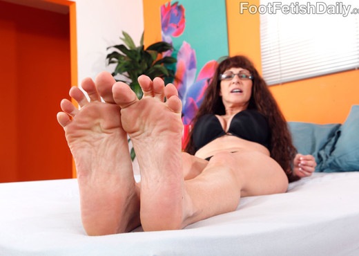 Alexandra Silk Exposes Her Sexy Feet and Gets Fucked - MILF Picture Gallery