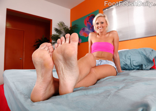 Molly Rae Gets Her Sexy Feet Worshipped and Fucked - Hardcore Nude Pics